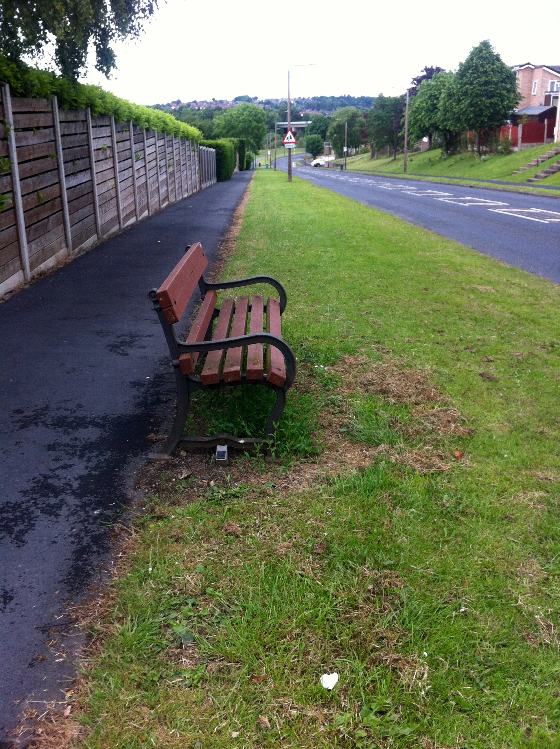 Photograph of an Empty Bench Dronfield Woodhouse UK - street photography - Paul Conneally 2017